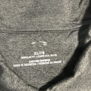Oakley Shirts - Oakley Short Sleeve Regular Fit Polo Shirt, XL
